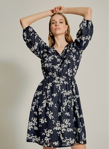 NGSTYLE Çıtır Çiçek Desenli Düğmeli Elbise Siyah